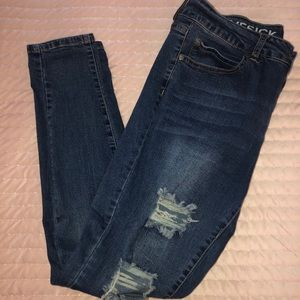 💚Distressed Blue Jeans💚